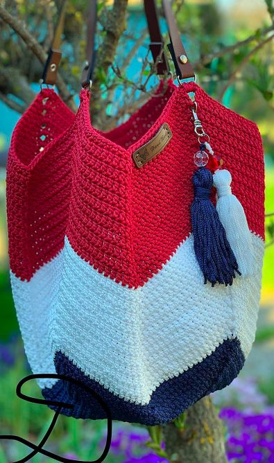 24-simple-and-useful-crochet-bag-patterns