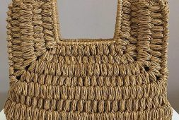 popular-stylish-and-convenient-crochet-bag-models