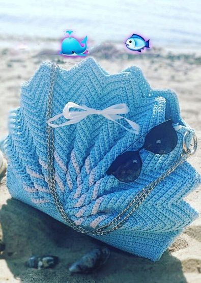 wonderful-crochet-bags-made-by-skilled-housewives-for-the-summer-season