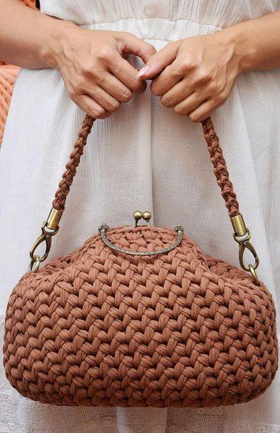 50-glamorous-crochet-bag-patterns-for-summer-2019